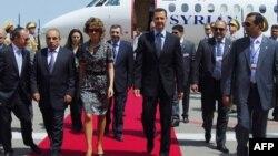 Suriya prezidenti Bashar al-Assad xanımı Asma ilə Bakıya səfər edərkən, 8 iyul, 2009
