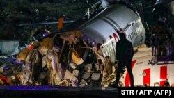Обломки пассажирского самолета авиакомпании Pegasus Airlines. Стамбул, 5 февраля 2020 года.