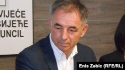 Lider hrvatskih Srba Milorad Pupovac ne daje jasne izjave