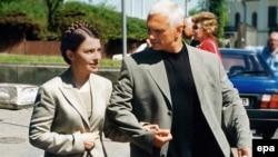 Юлія і Олександр Тимошенки, весна 2004 року