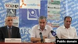 Пресс-конференция кандидатов в президенты самопровозглашенной республики Абхазия