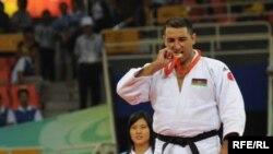 Azərbaycanın paralimpiya çempionu İlham Zəkiyev