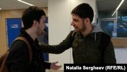 Un prieteni l-a condus pe Sandu Bălan la aeroport