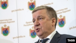 "Aleksandr Khudilainen said he had submitted his resignation as Karelia governor in order to give a candidate to be proposed by Russian President Vladimir Putin time ""to show himself"" in the region."