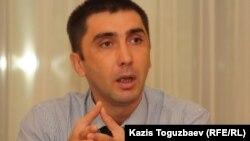Правозащитник Вадим Курамшин. Алматы, 10 августа 2011 года.