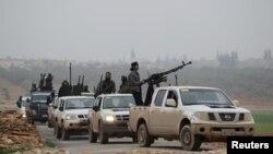 Pjesëtarë të grupit Al-Nusra në Siri
