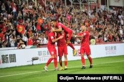 Игроки сборной Кыргызстана во время матча на Кубке Азии в ОАЭ.