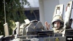 Ірак - британські військовослужбовці патрулюють один з районів міста Аль-Басрі (архівне фото, 2007 р.)