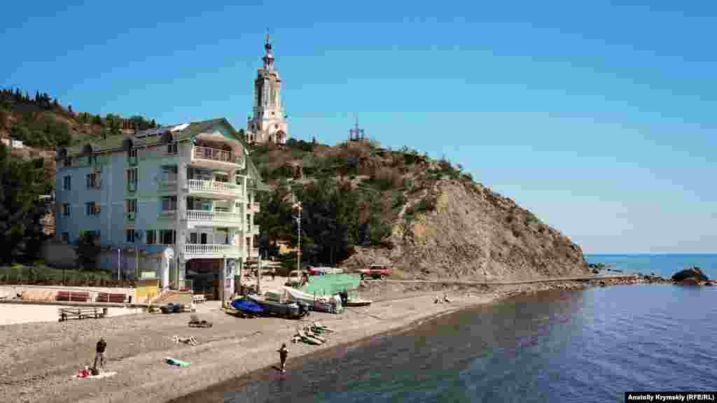 Главной достопримечательностью села является храм-маяк Святого Николая Чудотворца.В цокольной его части располагается Музей катастроф на водах, экспозиция которого повествует о самых крупных морских трагедиях