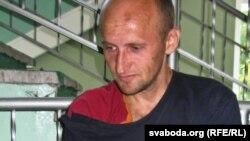 Активист партии «Белорусская христианская демократия» Кастусь Жуковский. Гомель, 22 сентября 2011 года.