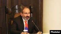 И. о. премьер-министра Армении Никол Пашинян на пресс-конференции, Ереван, 20 ноября 2018 г.