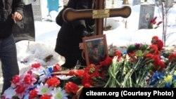 Могила Михайла Нефьодова, бійця «Приватної військової компанії Вагнера», що загинув у Сирії на початку 2017 року