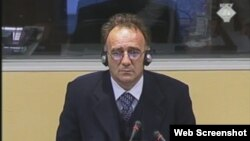 Božidar Tomić svjedoči na suđenju Radovanu Karadžiću, 13. studeni 2012.