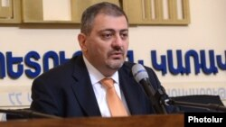 Armenia - Deputy Prime Minister Vache Gabrielian at a news conference in Yerevan (archieve photo).