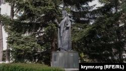 Памятник Луке Крымскому в Симферополе