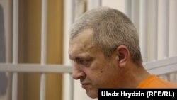 Розстріляний днями Олександр Жильніков, архівне фото (під час суду)