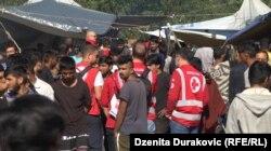 Na terenu su prisutne i ekipe gradskog Crvenog krsta