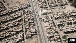 Imagine aeriană a capitalei Bagdad luată din elicopterul care îl transporta pe secretarul de stat american John Kerry