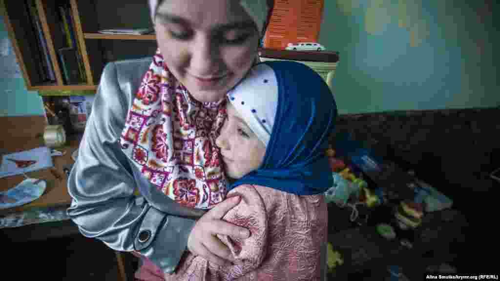 Таснім і Сальсабіль. Найстаршій дочці Абдуллаєвих –12 років