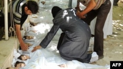 قربانیان حمله شیمیایی به غوطه شرقی در سوریه. ۲۱ اوت ۲۰۱۳.