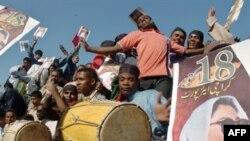 Праздник жизни всей. Сторонники Беназир в предвкушении ее возвращения