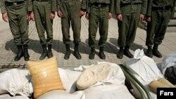 پلیس ایران در سال گذشته حدود ۶۶۰ تن مواد مخدر کشف کرده است. (عکس از فارس)