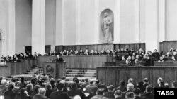 Мікіта Хрушчоў выступае на XX зьезьдзе КПСС. Масква, Крэмль.