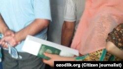 Ўзбекистондаги паспорт столларида ур-йиқит.