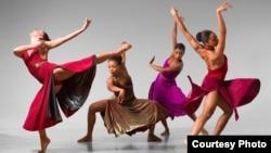 """Филаданко"" -танцова компанија од САД"