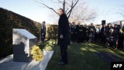 Премьер-министр Австралии Тони Эббот на траурной церемонии в Канберре