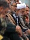 غلامحسین غیبپرور (وسط) در دیدار فرماندهان بسیج با آیتالله خامنهای در سال ۹۵