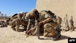 کماندوهای ارتش افغانستان در میانه یک درگیری با طالبان