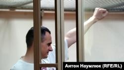 Нобелевская премия для Сенцова | Радио Крым.Реалии