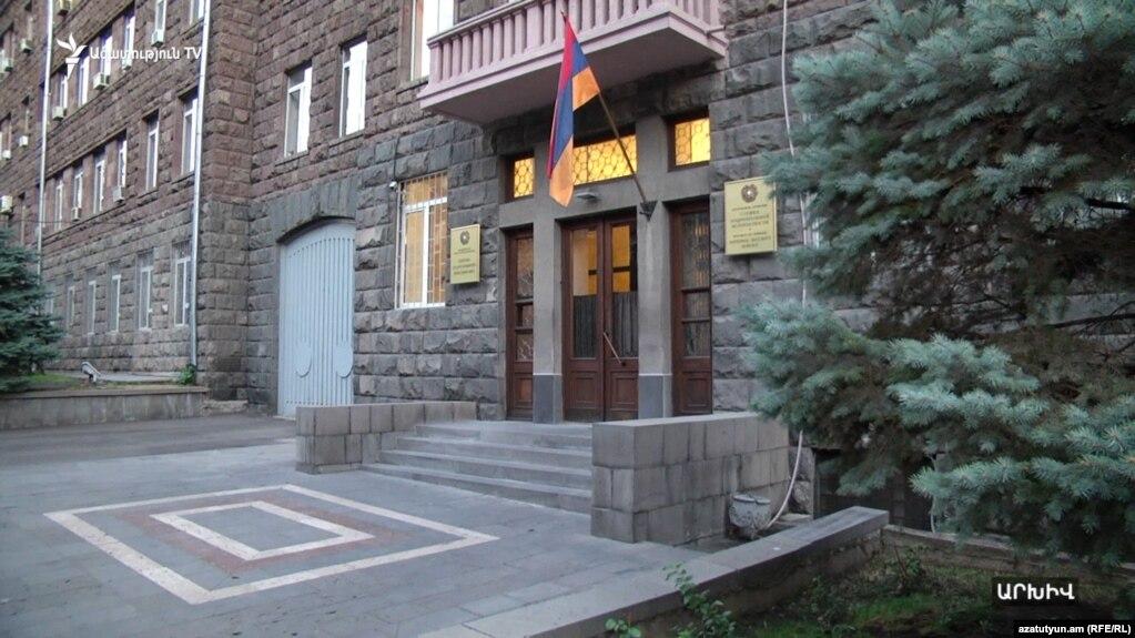 Два сотрудника Государственной контрольной службы и представитель взаимосвязанной с ними компании арестованы - СНБ