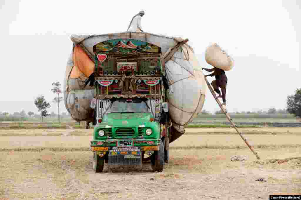 No matter how pretty the vehicle, Pakistan's jingle trucks are regularly pushed to their limits...