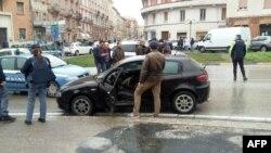 خودروی آلفارومئو متهم به تیراندازی روز شنبه در شهر ماچراتا ایتالیا.