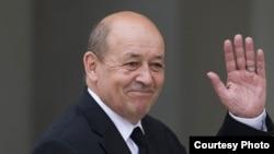 Францияның қорғаныс министрі Жан-Ив Ле Дриан