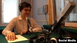 Олег Шевкун в радиостудии