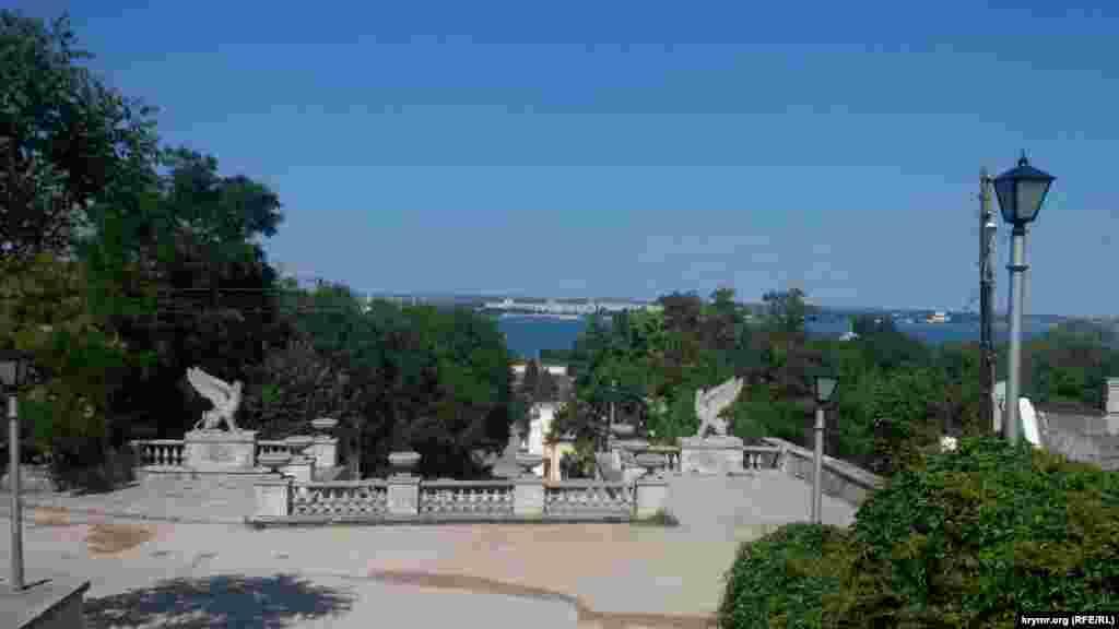 Вид на город с Митридатской лестницы