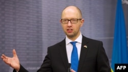 Ukrainanyň premýer-ministri Arseniý Ýatsenýuk, Riga, 6-njy noýabr, 2015