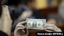 Srbija je za jedan dolar preuzela smederevsku železaru, 31. januar 2012.