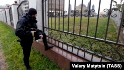 Полицейский в Грозном, иллюстративное фото