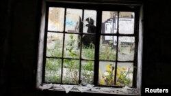 Pogled unutar bivšeg koncentracionog logora za Jevreje u Beogradu, Topovske šupe