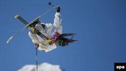 Швециялык спортчу Хенрик Харлаут (Henrik Harlaut) таймаш учурунда. Сочи, 13-февраль, 2014.