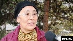 Жұмысшылар қозғалысының жетекшісі Сақып Жаңабаева. Аламты, 6наурыз, 2009 жыл