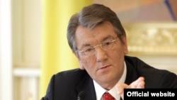 Виктор Ющенко 17-январдагы шайлоодо элдин колдоосун ала албайт өңдүү