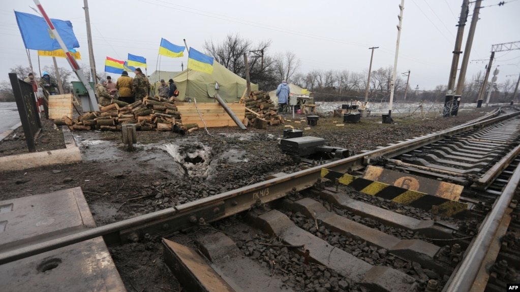 separatists seize ukraine billionaire s operations as tensions rise