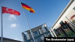 Турското и германското знаме
