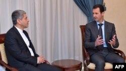 بشار اسد در حاشیه دیدار با وزیر اقتصاد ایران به سخنان جان کری واکنش نشان داده است