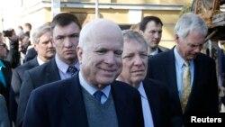 Сенатор Джон Маккейн в Киеве